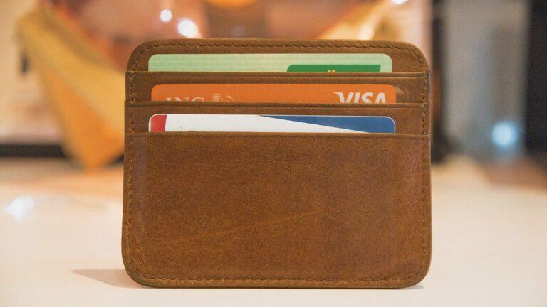 Read more about the article Quels sont les services liés à une carte bancaire? – Aide BTS Assurance